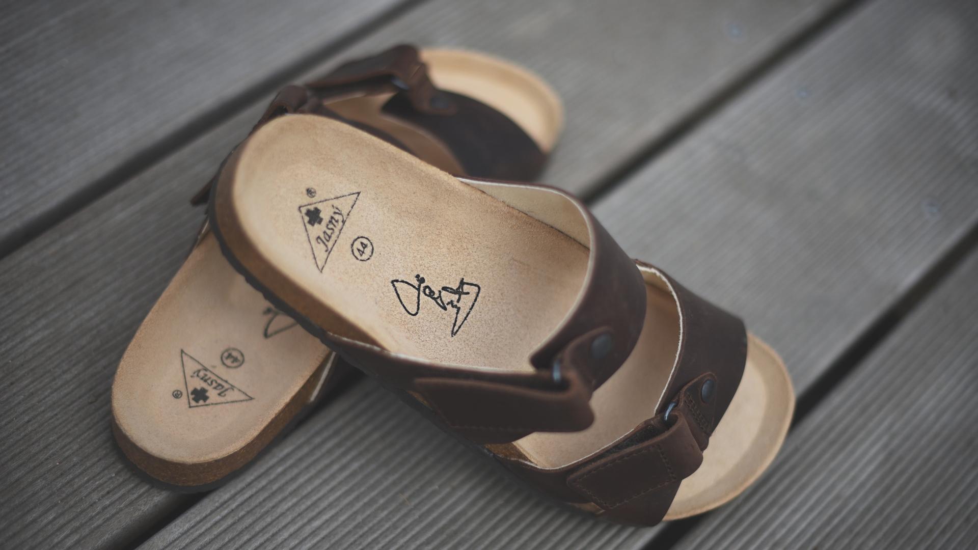 8c33bfefb8f Pánské zdravotní pantofle